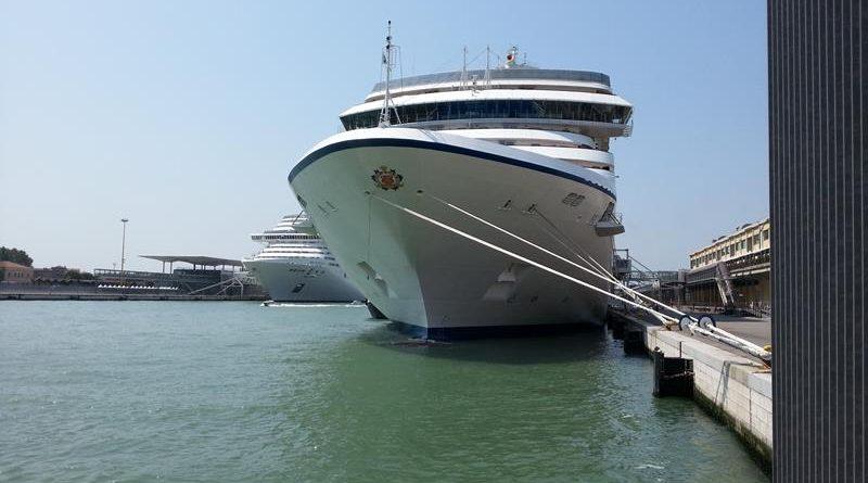 OCEANIA RIVIERA: Entrando en el barco