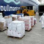 Pullmantur Cruceros dona cerca de diez toneladas de alimentos y bebidas al Ayuntamiento de Málaga
